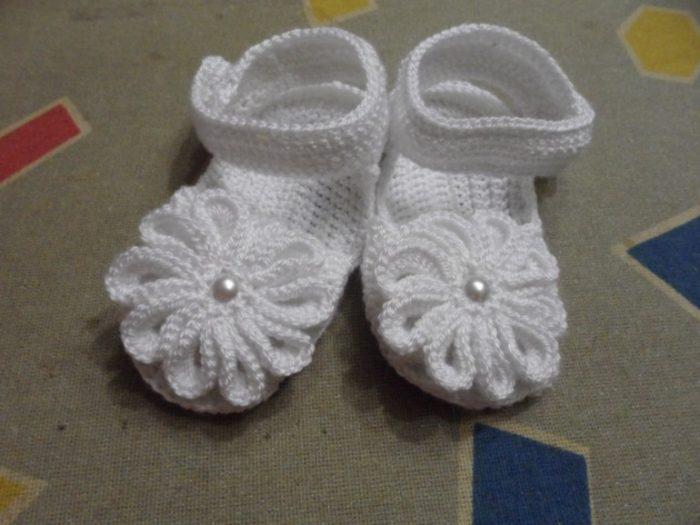 Вязанные сандалики