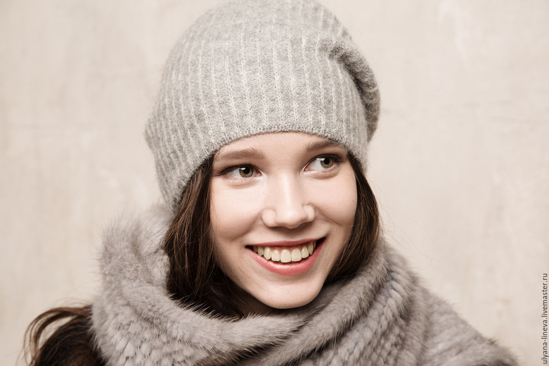 Как купить модную стильную женскую шапку в интернет магазине Ламода   Красивые брендовые женские шапки на Ламода меховые cdff793f9f825